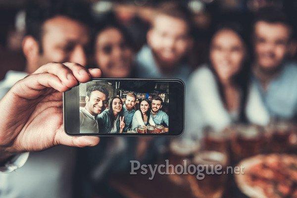 Le selfie, un reflet de notre personnalité ?