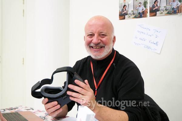 Coupler la thérapie par exposition à la réalité virtuelle et la régulation émotionnelle