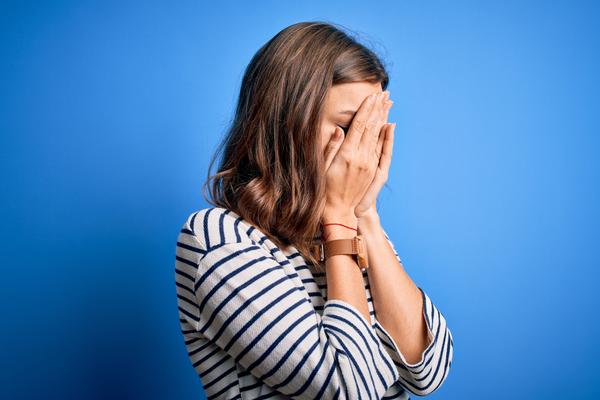 7 signes que vous avez un complexe d'infériorité et comment le surmonter