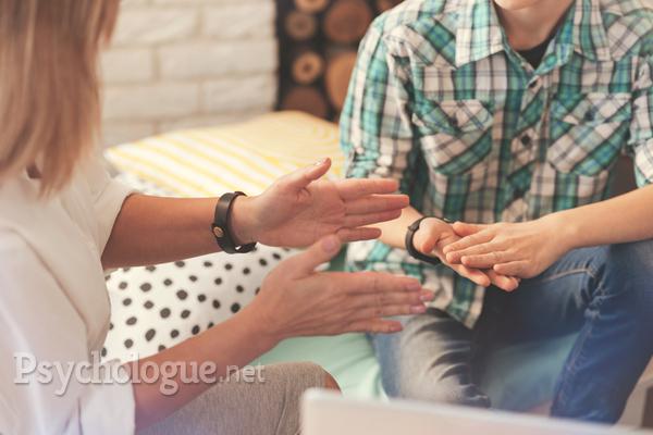 Psycho-praticien, praticien en hypnose, hypnothérapeute : que choisir ?