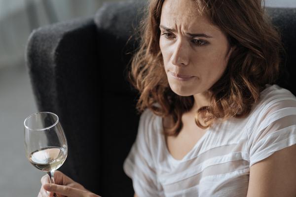 L'alcoolorexie, un trouble du comportement alimentaire pour boire plus