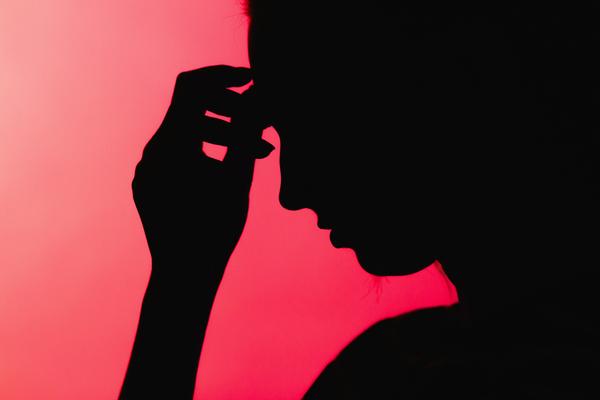 6 habitudes mentales négatives qui augmentent votre anxiété