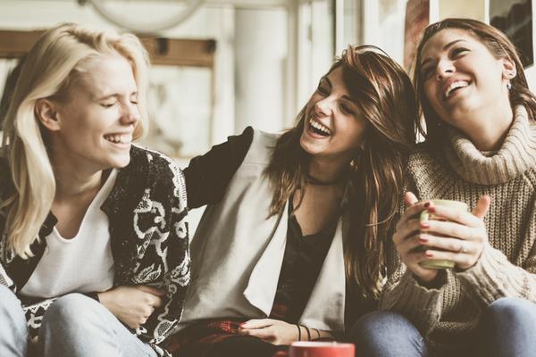 Les avantages surprenants de n'avoir que quelques amis