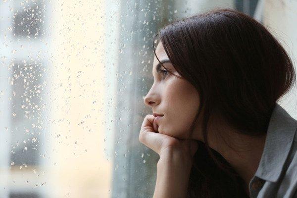 Comment oublier quelqu'un ? 12 conseils psychologiques pour s'en sortir indemne