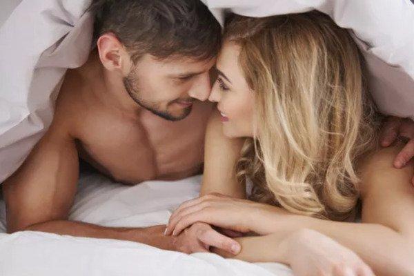 Sexe tantrique : 7 bienfaits psychologiques et 5 exercices pour le pratiquer