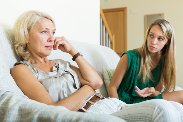 Les relations toxiques des mères jalouses de leurs filles