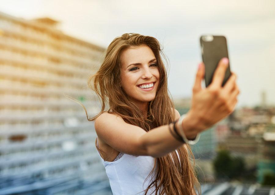 Personnalité De Notre Le Reflet SelfieUn YEHD2IebW9