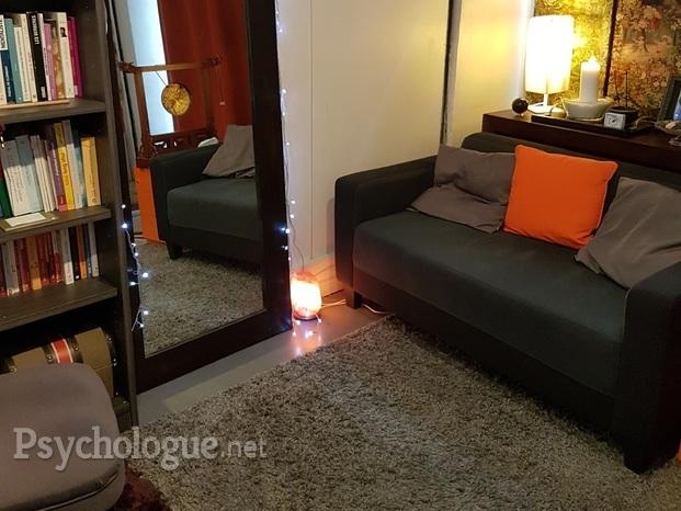 karima abassi. Black Bedroom Furniture Sets. Home Design Ideas